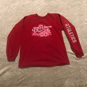 Boy's Nike long sleeve shirt. Size large.